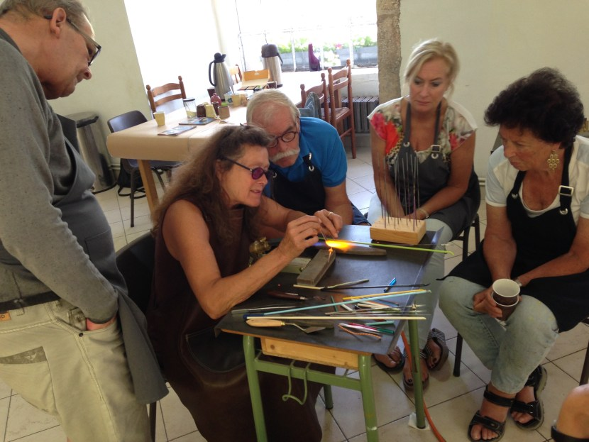 Anjo Brohm tijdens haar workshop bij Atelier Faubourg