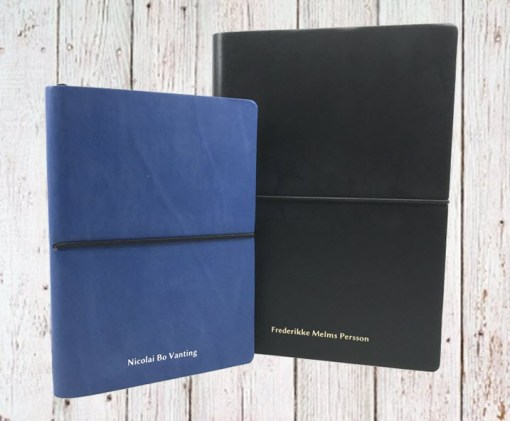 Få dit navn trykt på notesbog