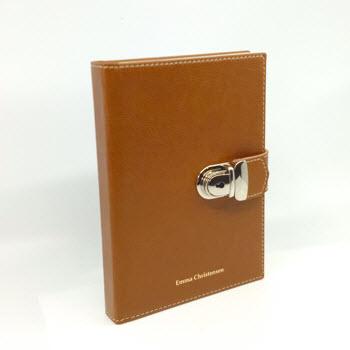 Dagbog med lås og navn