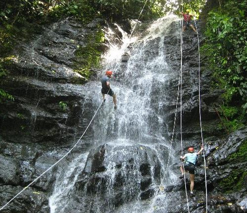 team building climbing