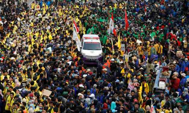 Indonesia: Students protesting against the weakening of anti-corruption law.