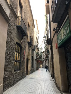 The Best Things to Do in Barcelona:  Wander the Barri Gòtic