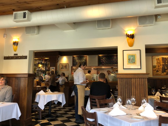 Best Places For Lunch in Napa Valley:  Inside Mustards Grill