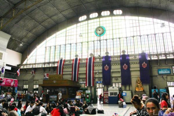 バンコク中央駅構内