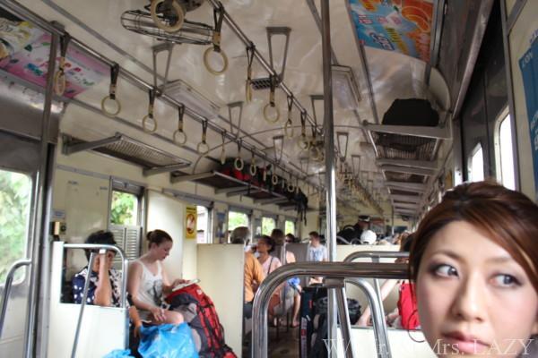 バンコク アユタヤ 電車 車内