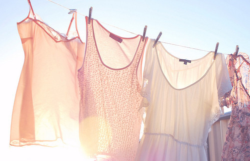photo,beautiful,bleachedcolours,light,clothes,drying-dd2debe30f864c930242f1eccd39d316_h