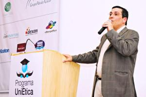 Interview with Douglas Linares Flinto