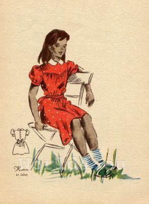 German Children clothing. Kids vintage costumes. 1940s fashion.