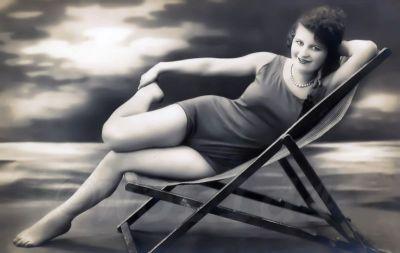Retro Swimwear. Pin-up Boho fashion, bathing suit in the fashion of 1920s.