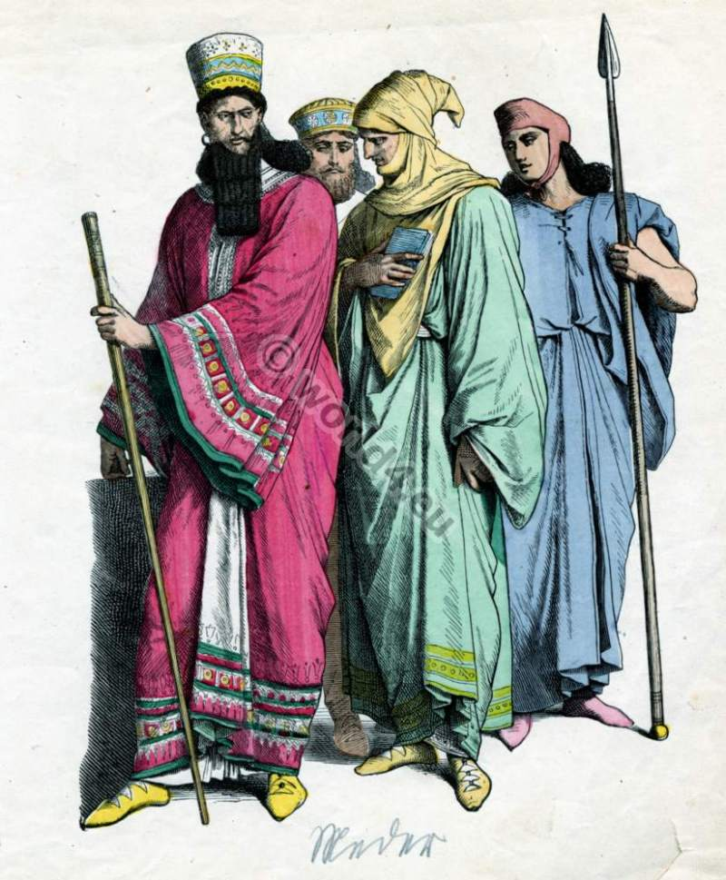 Ancient costumes. Medes costumes. Ancient Iranian. Median Empire clothing.