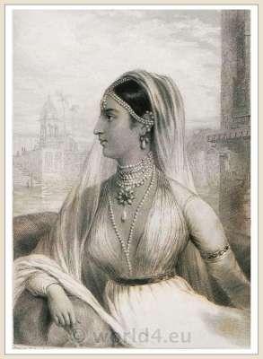 Rajasthan costume. Rajput bride. Traditional Indian wedding dress. Mughal Empire