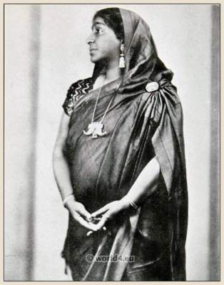 Sarojini Naidu Indian feminist and poet. Traditional India costume. Sari clothing
