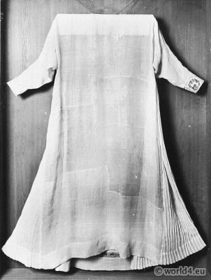 German Liturgical costume. Albe 13th century. Monastic costumes history.