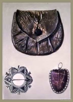 The Purse of Rob Roy. Helen Macgregor`s brooch. Toadstone Amulet.
