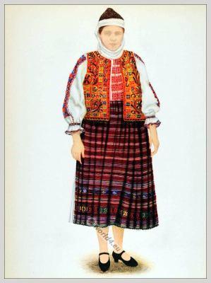 Romanian Hundiedoara folk costume. Romania Transylvania national costumes. Traditional embroidery patterns