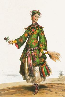 Chinese noble woman in Qing Dynasty costume. Chinese National clothing. female dress