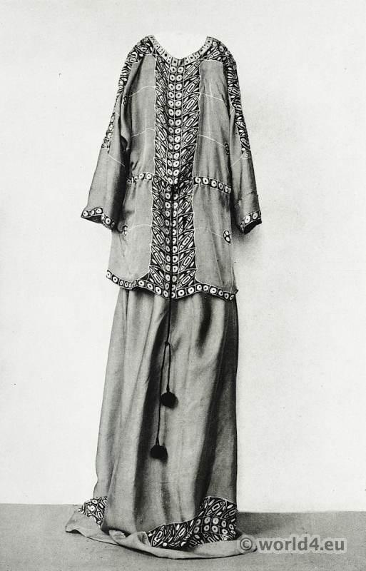 Vienna Workshops. Dress Crêpe de Chine. Art Nouveau Fashion. Designer Yvonne Brick. Wiener Werkstätte