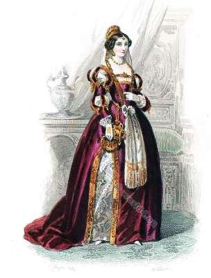 Court Lady. Authentic Renaissance clothing. 16th century fashion. Baroness, duchess court dress.