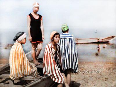 Japan girls at the sea. Kiyoshi Sakamoto. Old Japan swim costume. old bathing suit.