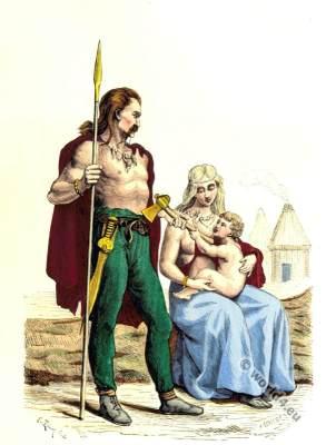 Gaelic Vestments. Ancient Gaul clothing. Famille Gauloise
