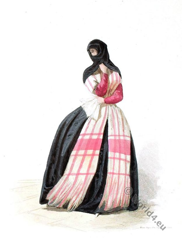 Tapada Lima. Tapada de saya. Traditional Peru costumes