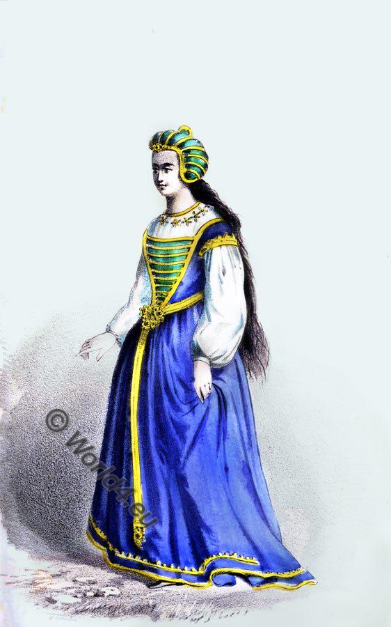 56da7ddebc An English lady in 15th century fashion. Tudor costume.