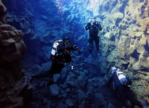 scuba diving dry suit silfra Iceland
