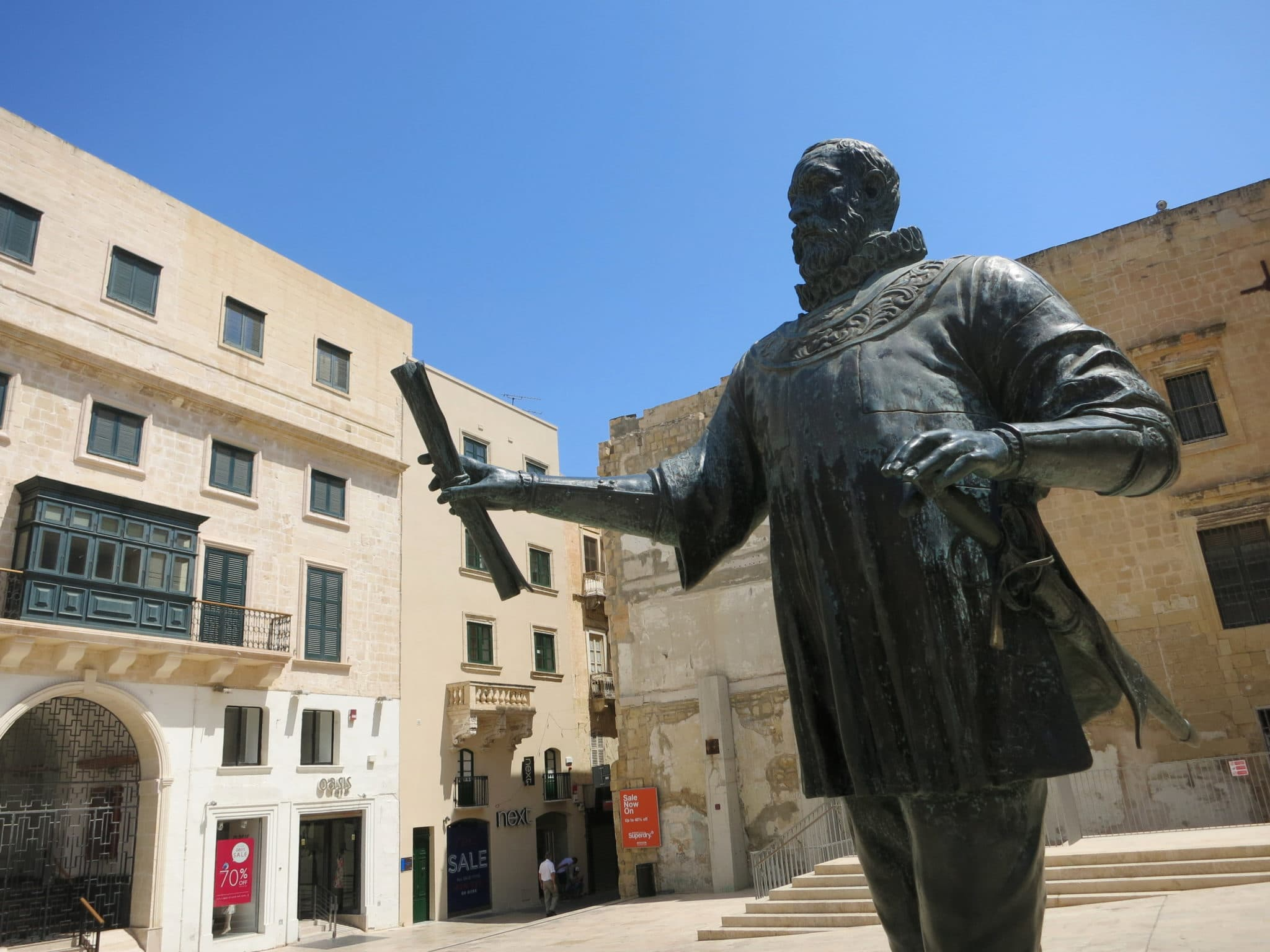 Weekend in Valletta founder statue