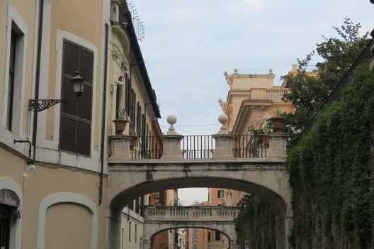 Walking tour in Rome in December