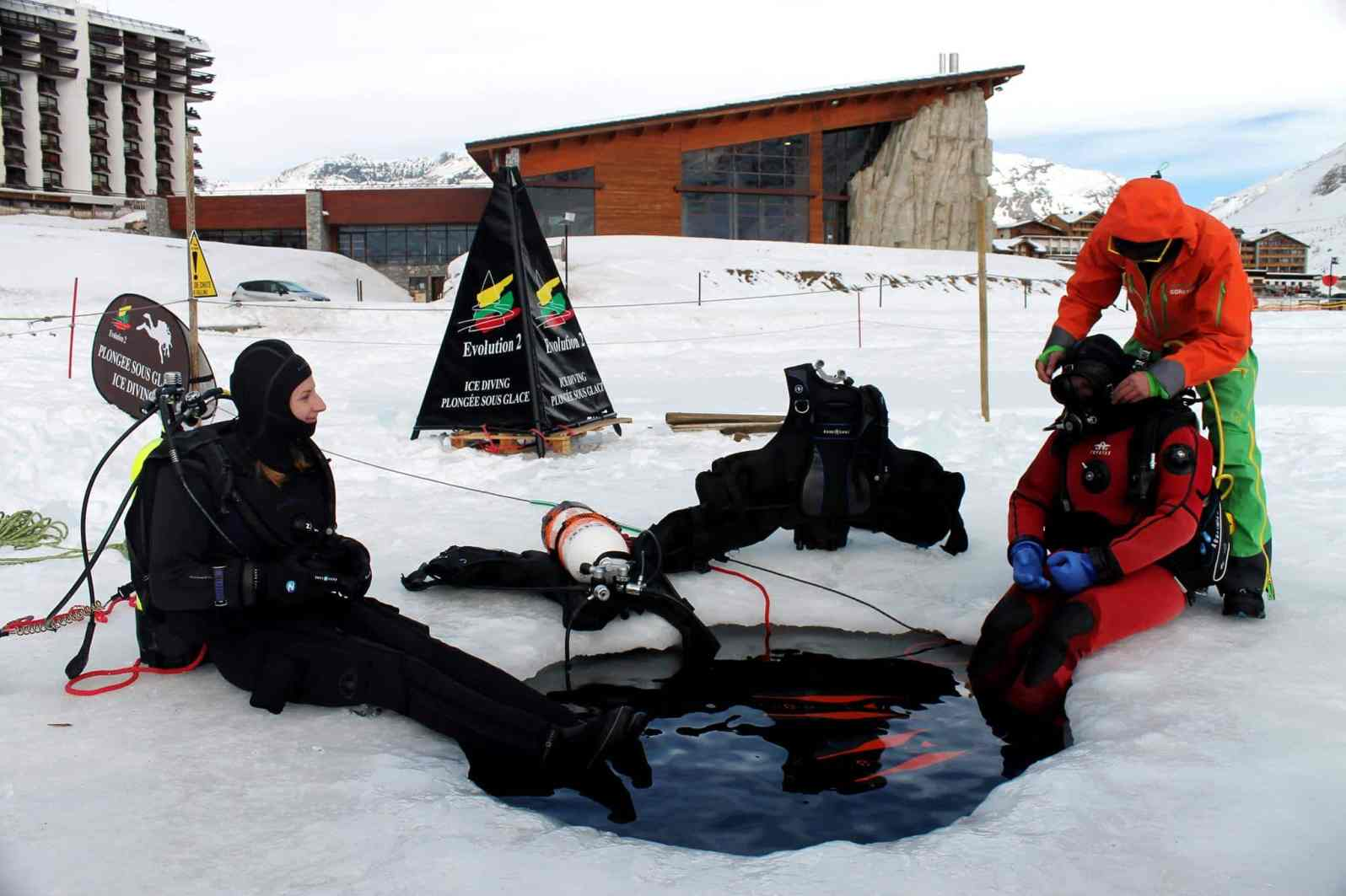 Ice diving with Fusion fit dry suit Aqua Lung