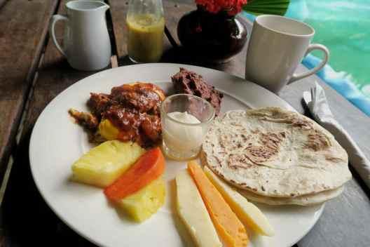 Breakfast Omega Eco Lodge La Ceiba Pico Bonito National Park Honduras