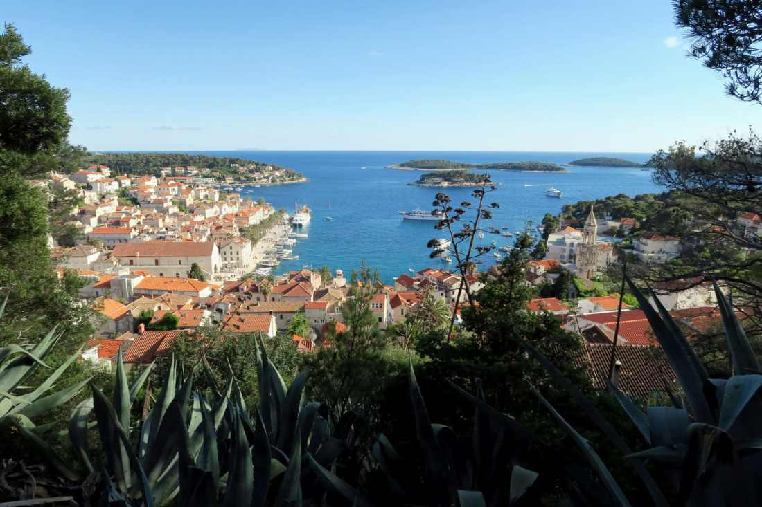 2 weeks in Croatia - View of Hvar Town and the Pakleni Islands from the Spanish Fortress - plongée Croatie