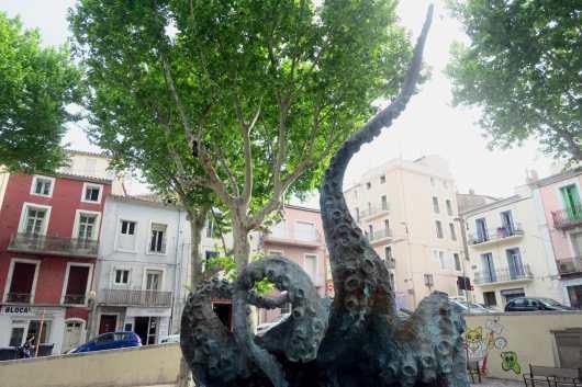 Octopus statue Sète France
