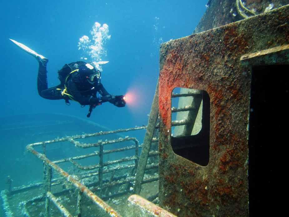 Diving Malta shipwrecks - Best diving in Europe
