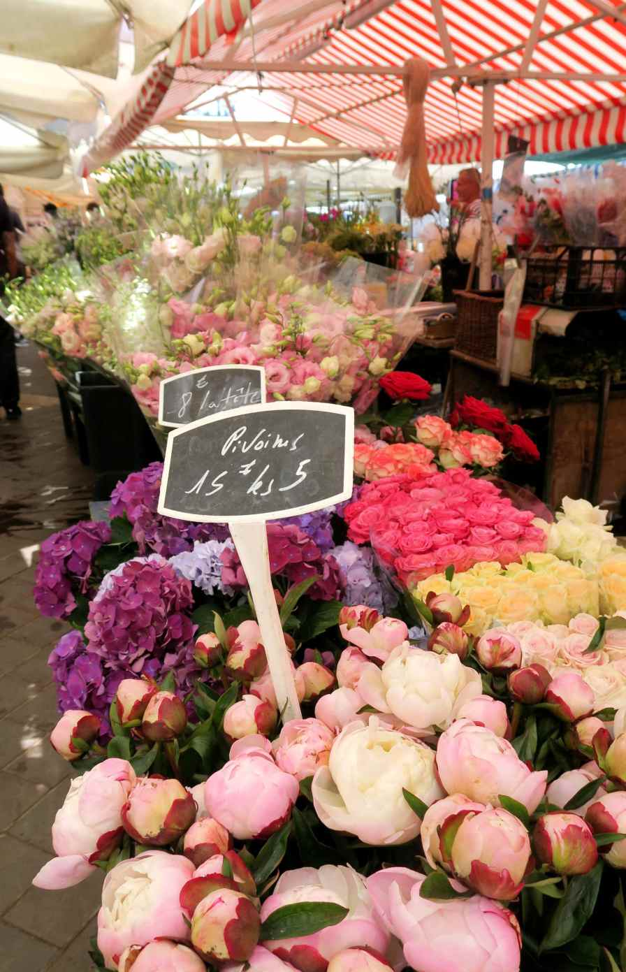 Flower market Old Town - Visit Nice French Riviera