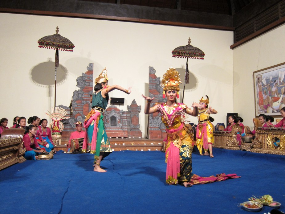 traditional dance show - fun things to do in Bali