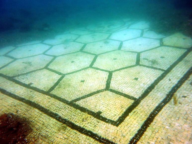 villa protiro scuba diving underwater archeological park Baia
