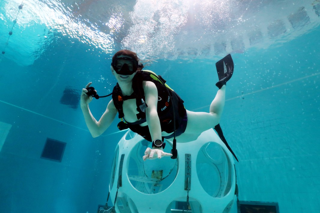 Scuba diving pool Nemo 33 Brussels Belgium