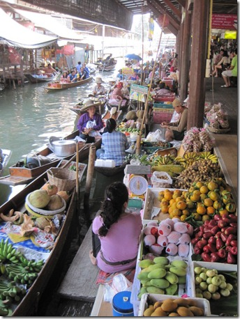 Damnoen Saduak Floating Market in Thailand (3/6)