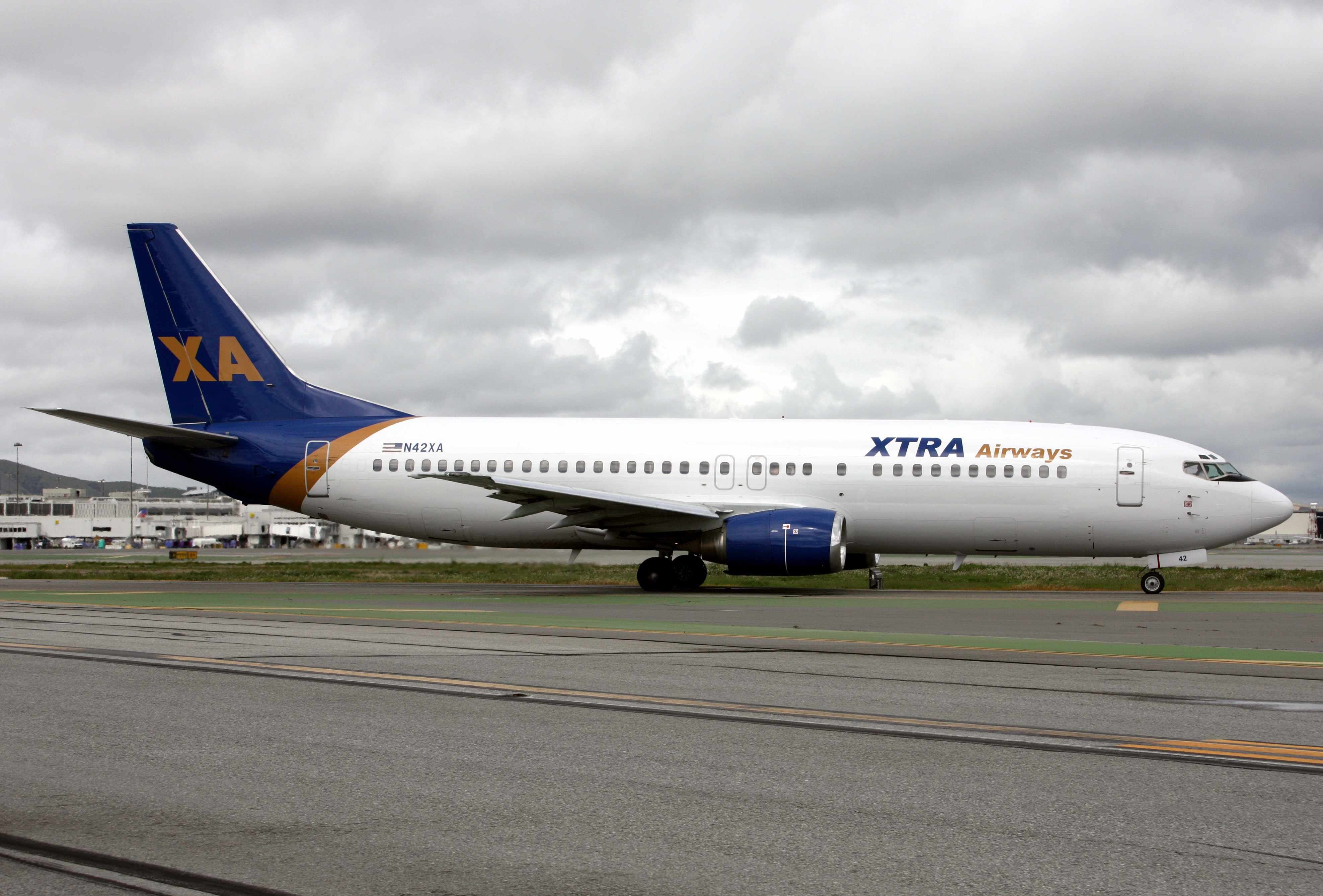 Boeing 737-429 N42XA (msn 25729) of Xtra Airways prepares to depart from San Francisco in the new look.  To see how N42XA was formerly painted please click on the photo.  Copyright Photo: Mark Durbin.