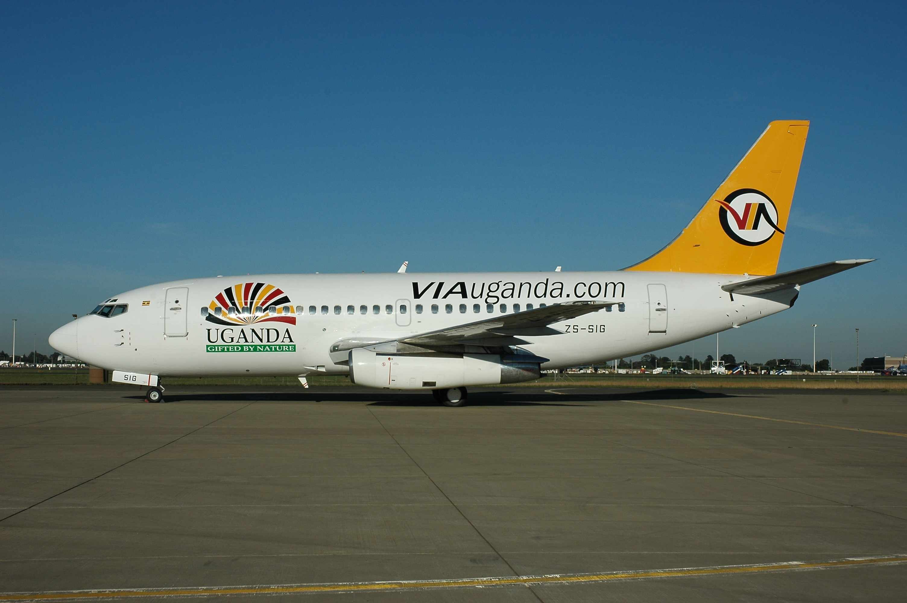 Boeing 737-244 ZS-SIG (msn 22586) was painted in this attractive livery. The airframe is currently stored at Cape Town.  Copyright Photo: www.afavia-fotos.co.za.