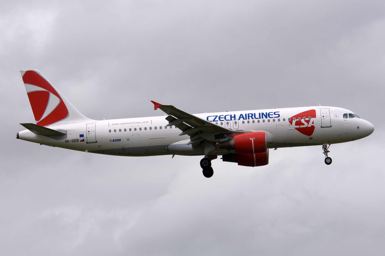 Czech Airlines-CSA A320-200 OK-GEB (07)(Apr) AKL (CH)(LR)