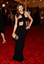 best-miranda-kerr-looked-killer-in-this-michael-kors-cut-out-dress