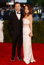 best-olivia-wilde-looked-modern-and-chic-in-a-white-silk-calvin-klein-gown-but-the-same-cant-be-said-about-jason-sudeikis-footwear