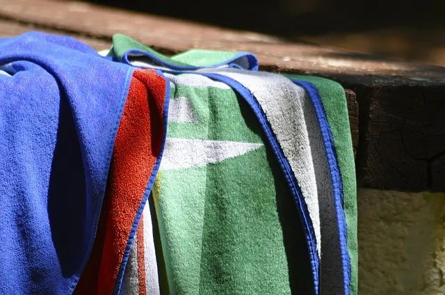 Top 5 Types of Beach Towels you can't Miss In 2021
