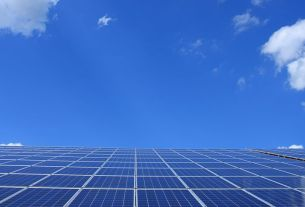 Double-Sided Solar Panels Could Boost Energy Product by Solar Systems