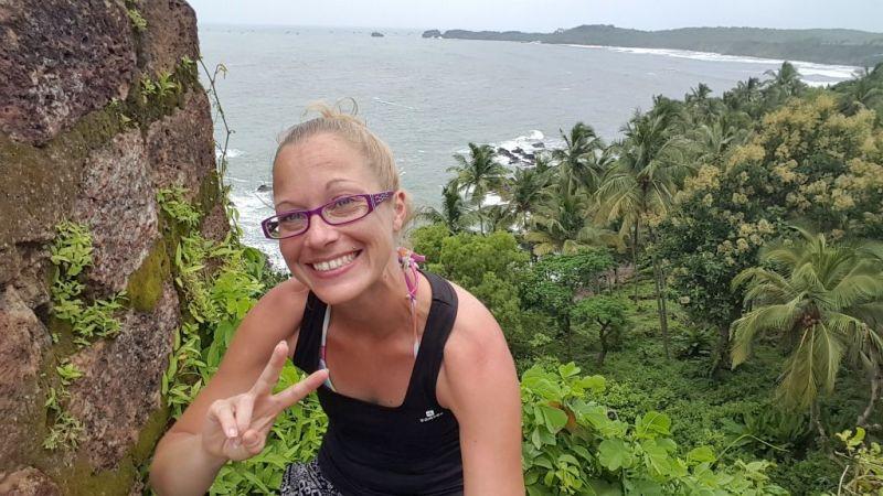 alleinreisende Frau in Indien