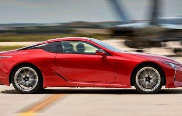 2017最新車種レクサスLC500のエクステリア画像