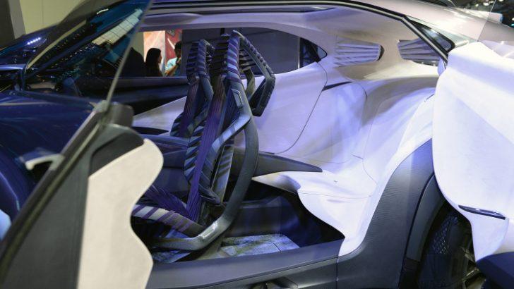 レクサスuxの内装シート