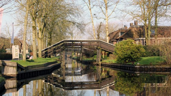 Day Trip To Giethoorn, The Netherlands | Travel Vlog | Featured Image
